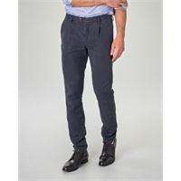 Ashki.i pantalone chino blu in misto lyocell cotone e lino con una pinces